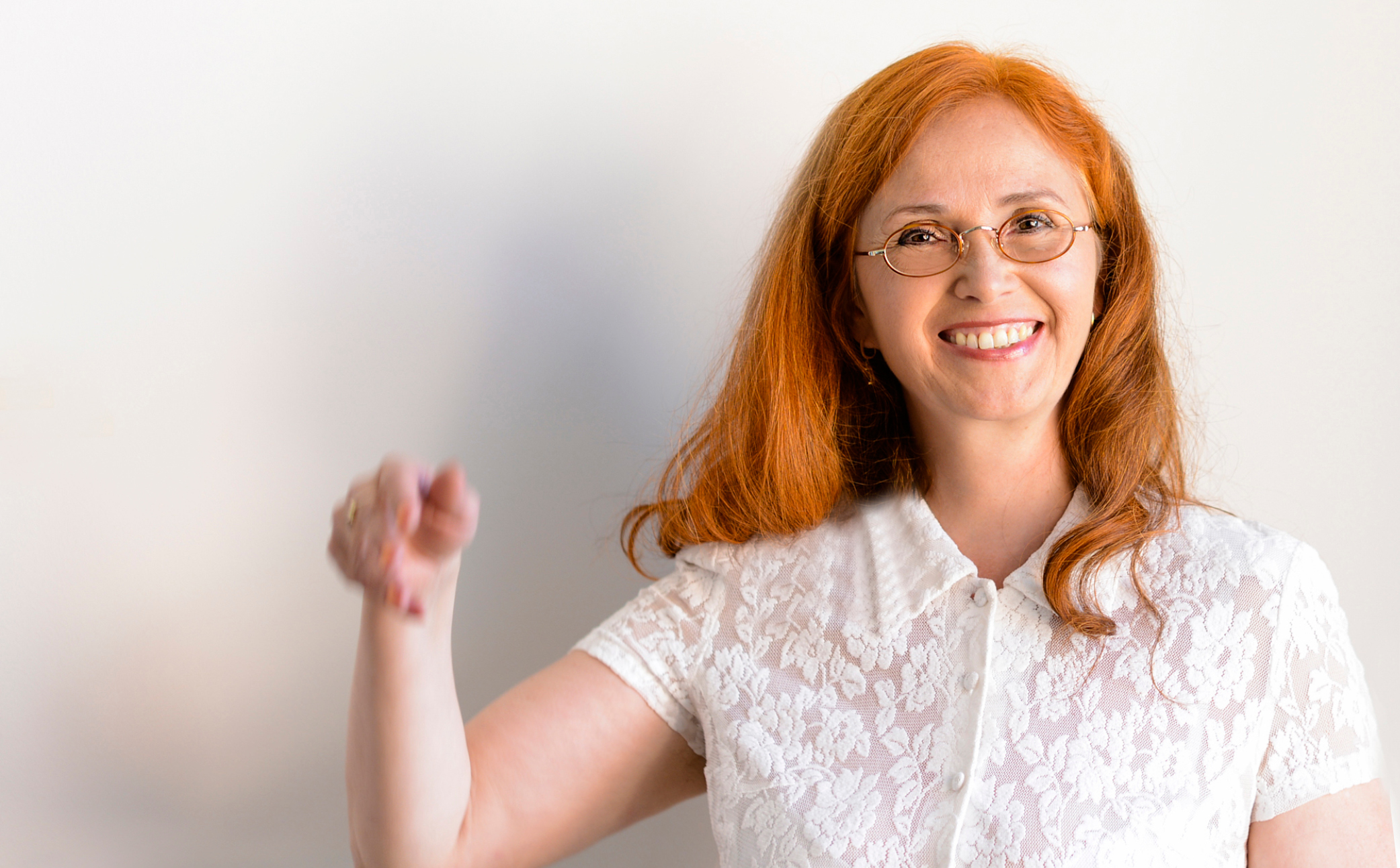 Hier sehen Sie eine glückliche Frau - Business Branding - Business Portraits - Fotograf Berlin