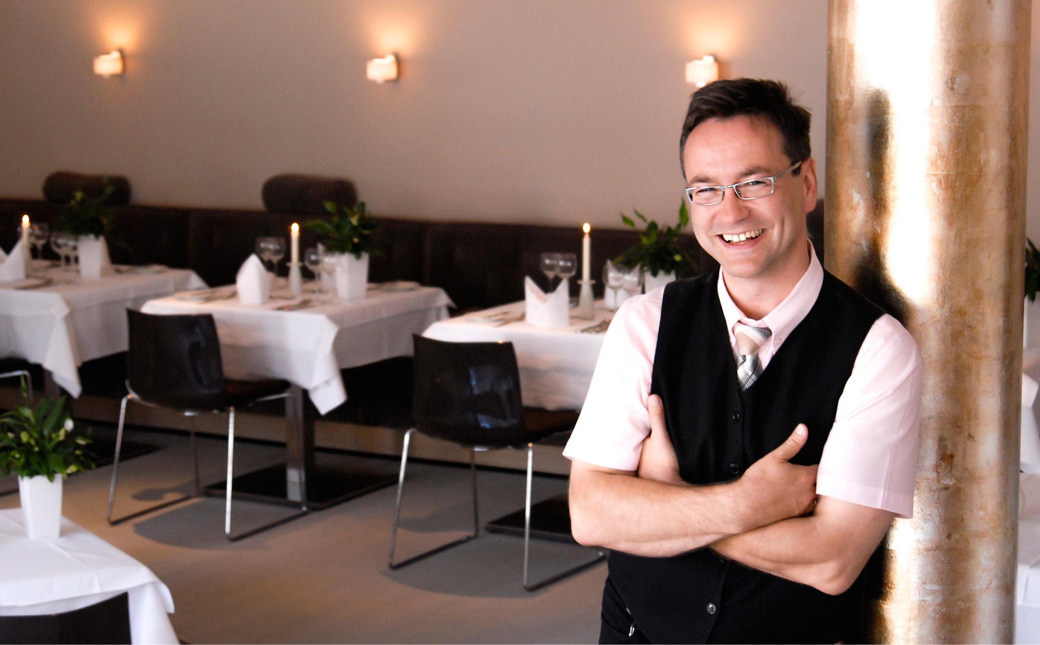 Erfolgreicher Restaurantbesitzer - Business Portraits - Business Branding Fotografie Berlin